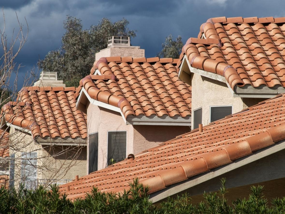 arizona roofs in a row