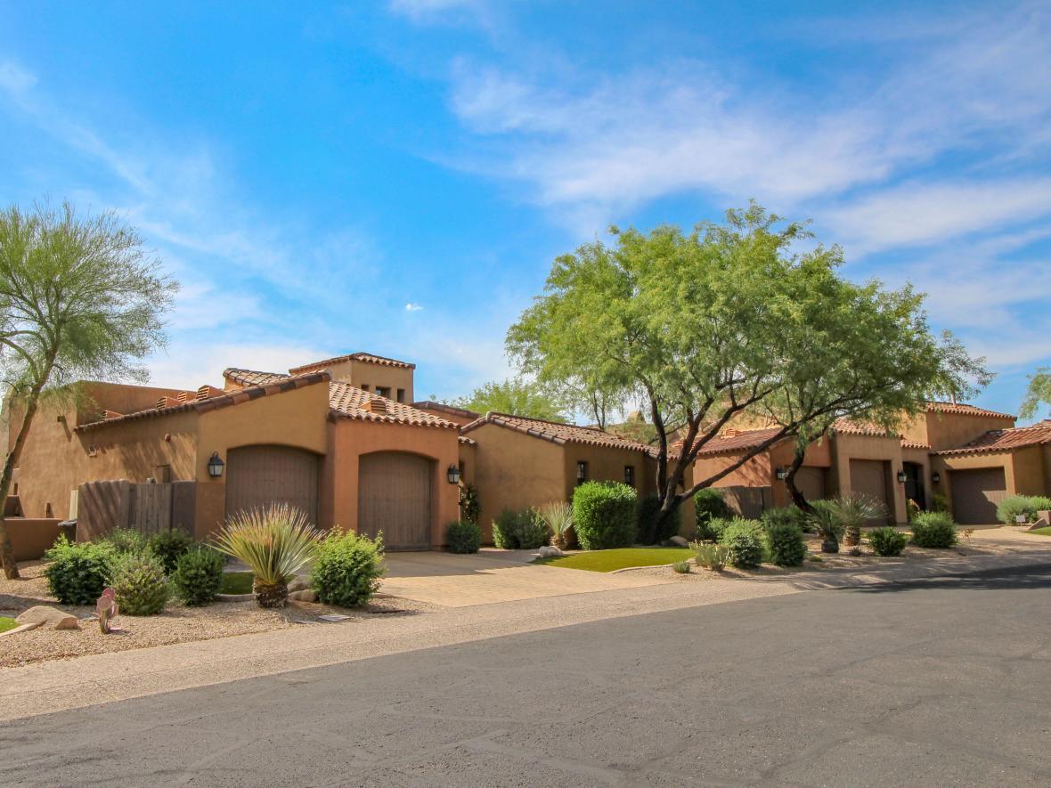 Arizona home in Casa Adobes